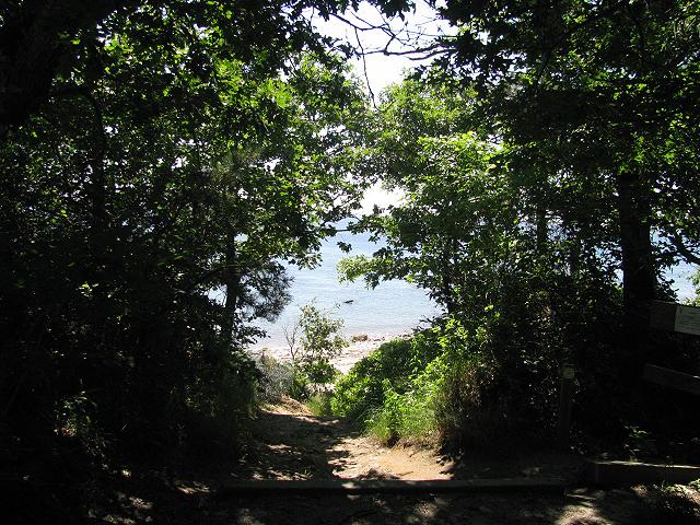 Pathtobeach
